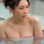 【雛形あきこエロ画像】巨乳おっぱい健在!めっちゃやらしい温泉入浴のハミ乳ぐうシコwww