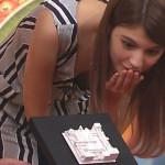 【マギーエロ画像】胸チラおっぱいがヒルナンデス!で見え過ぎナンデスwwwww