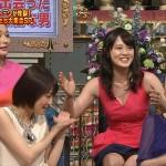 【池田裕子画像】こんもり谷間のエロいおっぱい胸チラとピンクの下着のパンチラさせまくったさんま御殿キャプwww