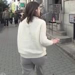 加藤真輝子アナのパン線とワレメくっきりな恥ずかしいお尻のエロキャプwww
