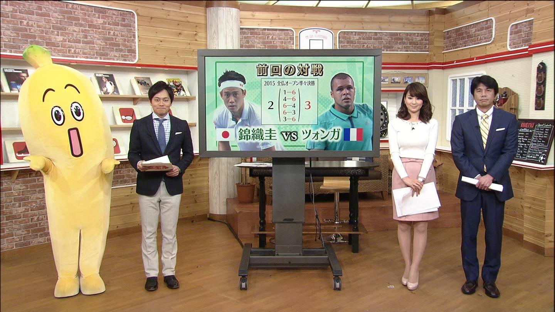 秋元玲奈アナの着衣おっぱいエロキャプ画像05
