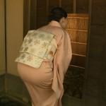 おNHKのお女子アナ、井上あさひアナのお着物のお上品なおケツwwww