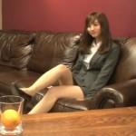 出川ガール・堀田茜ちゃんのパンチラしそうなミニスカと太ももがエロいと話題のイッテQキャプ画像www
