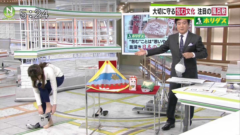 皆川玲奈アナのお尻エロキャプ画像3