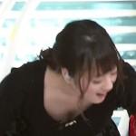 【ZIP!おっぱいFES】北乃きいちゃんの小熊美香アナの胸チラ連発キタ━━━━(゚∀゚)━━━━!!