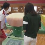 桐谷美玲さんの白デニムお尻wピッタリフィットでパン線もしっかりwww