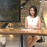 小川彩佳さんのスーパーセクシー報ステwwミニスカ過ぎて▼ゾーンパッカーンw太ももえっろwww