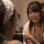 久松郁実さん小島瑠璃子さんの谷間チラおっぱいとタンクトップのワキーwwww
