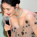 女優・長澤まさみさんの「おっぱい見せたろか?」的なサービス精神www