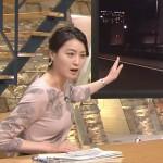 小川彩佳さんのナイス横乳おっぱいw薄い生地が張り付いてる柔らかそうなお乳に甘えたい…w