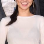 大島優子さん、思いっきりスケブラで舞台挨拶に登場wwww