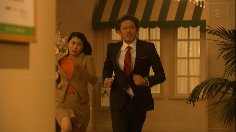 (えろ写真)《GIF有》成海璃子さんのダッシュおぱーいブルンブルン★走りにくそうな乳揺れ★★★