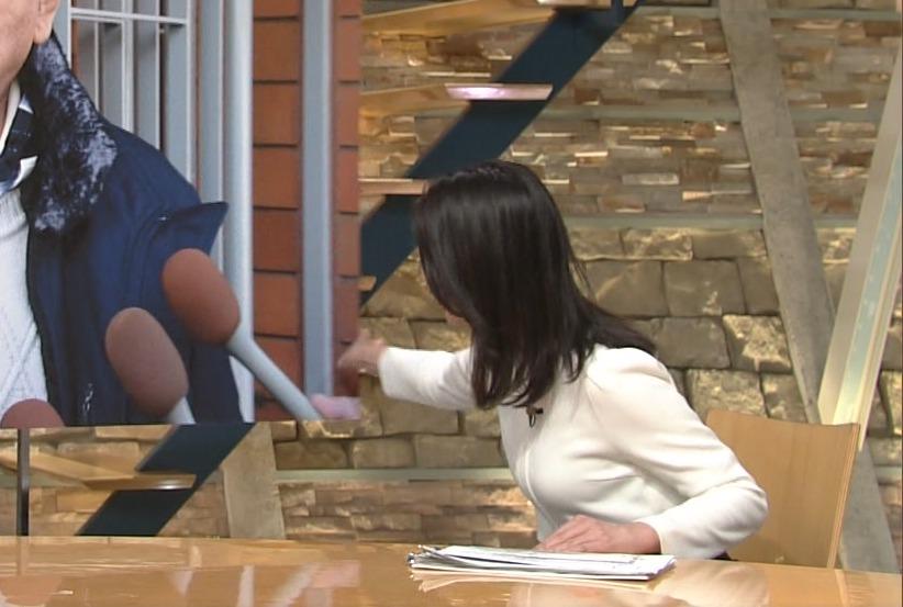 小川彩佳さんの横乳乳房!!巨乳!!!と自己主張する着衣爆乳をツンツンしたひ!!!!!!!!