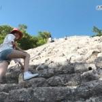 大島優子さんのショートパンツお尻とギリギリでヤバい股間が気になる「カリブ海と聖なる泉」エロ目線キャプ画像