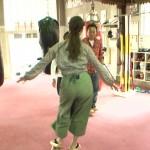 【GIF有】福田典子さんのお尻と太ももモミモミマッサージw下半身がいい具合にスケベなモヤモヤさまぁ~ず2