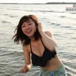 秘密のケンミンSHOW・東はるみ、黛英里佳さんのおっぱいw水着姿がエロEテレビキャプ画像www