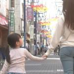 浅川梨菜さんのジーンズお尻や階段パンチラw太ももにもエッチさを感じてしまう「さくらの親子丼」エロ目線キャプ画像