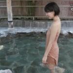 梨木まいさんのセクシーな温泉入浴wタオルから水着がスケスケになっててやらしい「秘湯ロマン」エロキャプ画像