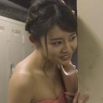 古畑星夏さんのおっぱいがムギュムギュで一生懸命頑張っているラブホの上野さんキャプ画像