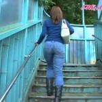 【動画】JD時代の久冨慶子さんのデニムお尻がモチモチしててやらCwwww