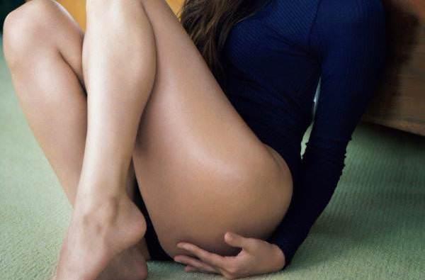 (えろ写真)(写真)深田恭子さんのほぼおヒップともいえる太ももエッロ ω ω ω