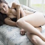 【画像】真野恵里菜さん、 原点回帰の写真集発売…おっぱいエッロ ω ω ω。