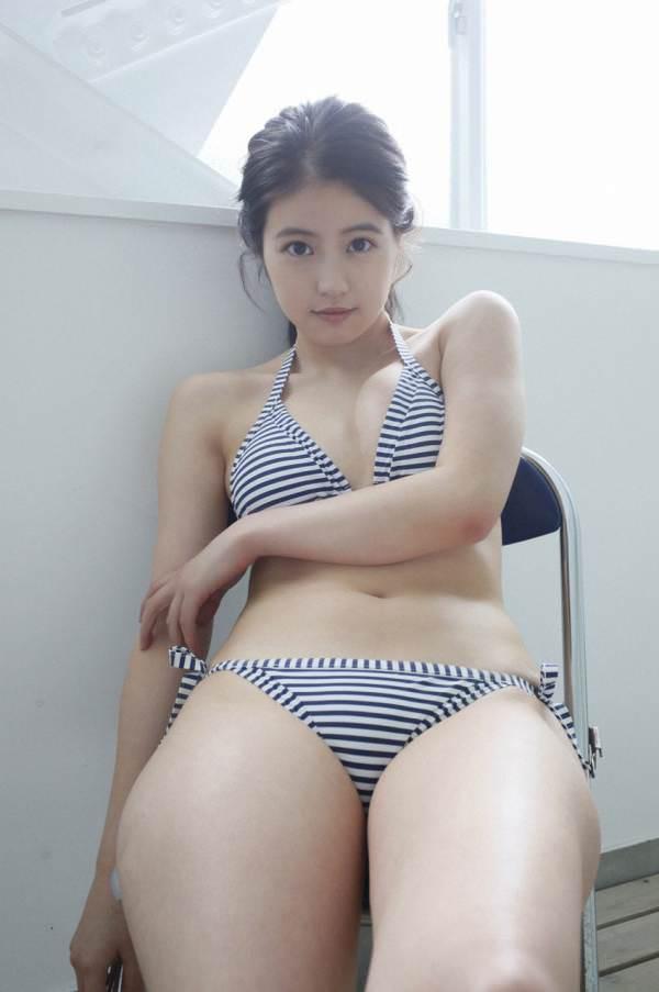 今田美桜さんのセクシー画像