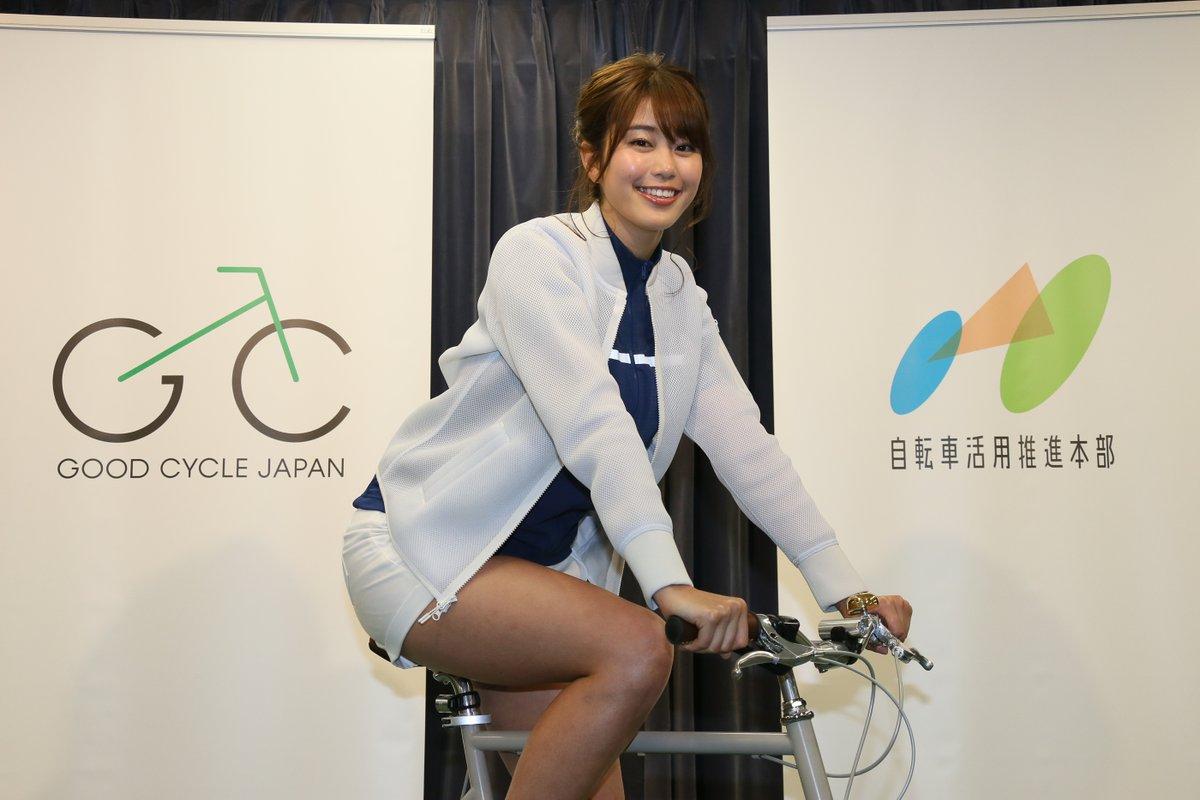 【亜美】【画像】自転車の安全運転を呼びかける稲村亜美さんの太ももに視線を奪われ事故りそうω ω ω