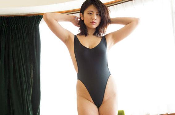 徳江かなさんのセクシー画像