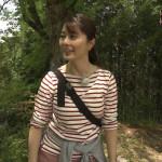 【画像】NHK・杉浦友紀さんの胸の間をストラップが走り抜けるパイスラ ω ω ω