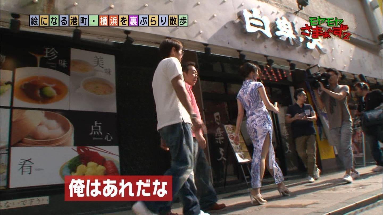 福田典子さんのスリットから見える太ももがエッチ20
