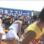 【GIF】高校野球の試合中にスタンドのエッチやカワイイを追いかけまくるエロカメラマンの所業…???