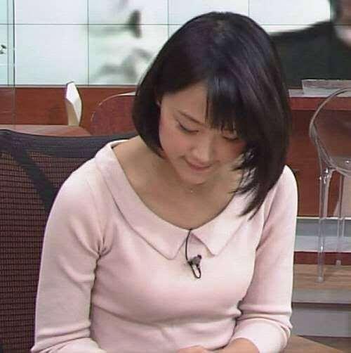 宇垣美里さん胸チラおっぱいなど女性アナウンサーのエッチな画像-455