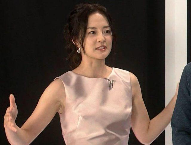 宇垣美里さん胸チラおっぱいなど女性アナウンサーのエッチな画像-403