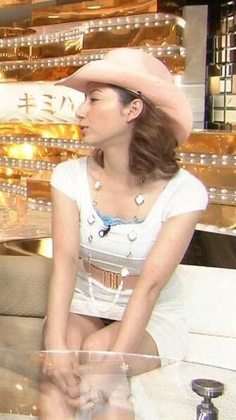 宇垣美里さん胸チラおっぱいなど女性アナウンサーのエッチな画像-179
