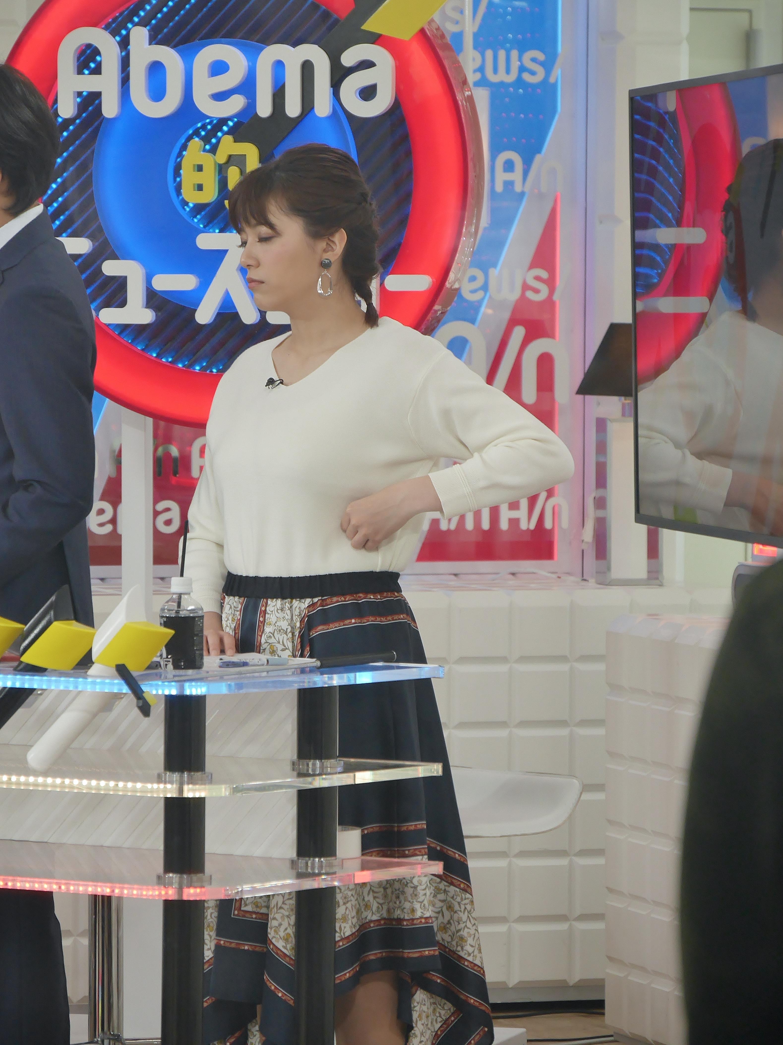 2019年2月24日AbemaTV「Abema的ニュースショー」出演・三谷紬さんのテレビキャプチャー画像-044