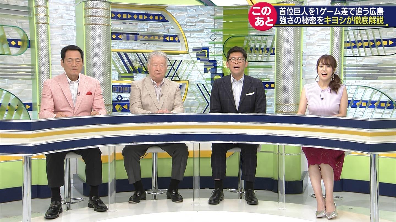 2019年5月18日「SPORTSウォッチャー」鷲見玲奈さんのテレビキャプチャー画像-019
