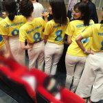 【画像】フジテレビ女子アナ・小澤陽子さん、お尻に小さめおパンツのラインを浮かせてしまう😍