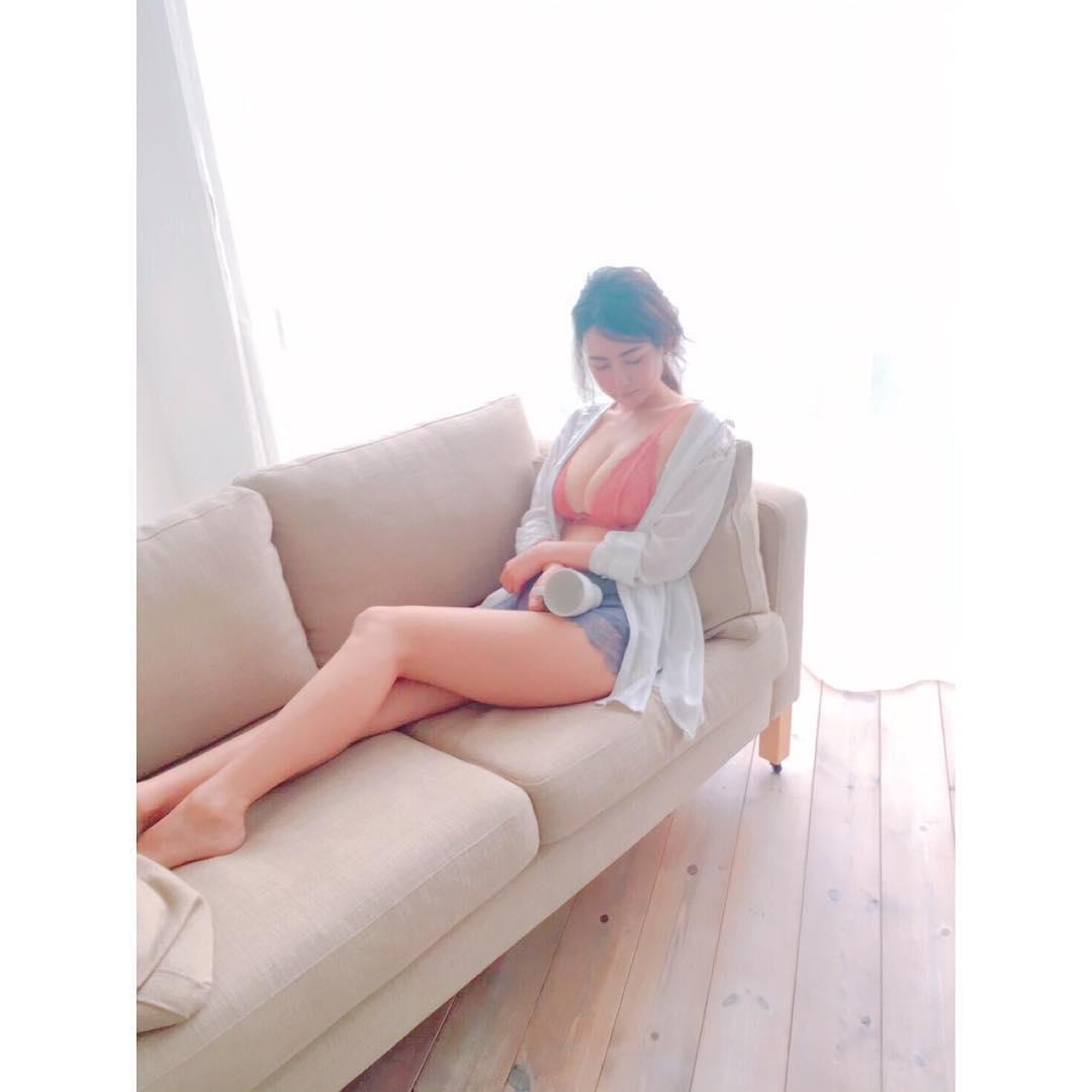 日本イチ予約のとれない美人トレーナー・相良梢さんの画像-239