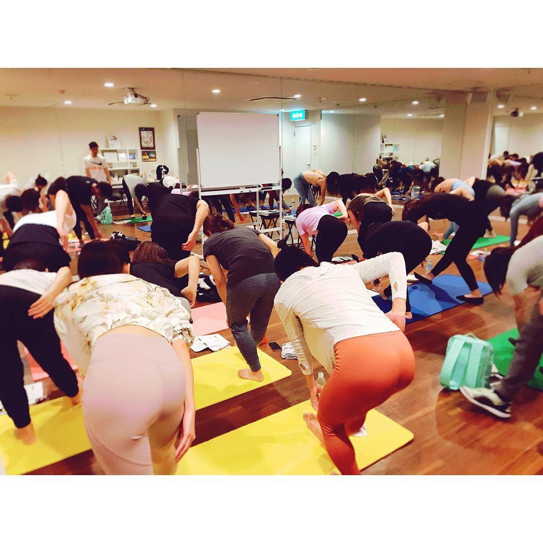 日本イチ予約のとれない美人トレーナー・相良梢さんの画像-248