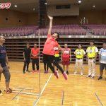 【画像・GIF】BSテレ東「スポさま」で女性アナウンサー・森香澄さんのおっぱいがめちゃめちゃぷるんぷるん揺れまくっててエロカワ∃😍😍😍😍😍😍