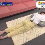 【画像・GIF】ワールドビジネスサテライトでテレビ東京アナウンサー・田中瞳さんのうつ伏せお尻😍😍